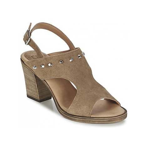 Betty London EGALIME women's Sandals in Brown