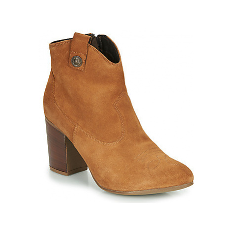 Elue par nous FLYING women's Low Ankle Boots in Brown