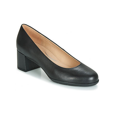 Geox D NEW ANNYA MID women's Court Shoes in Black
