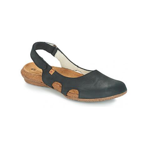 El Naturalista WAKATAUA women's Sandals in Black