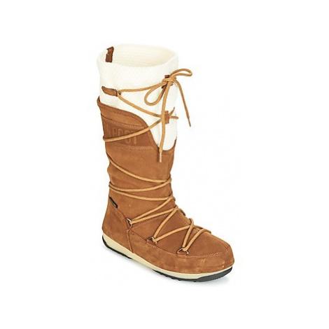Brown women's snow boots