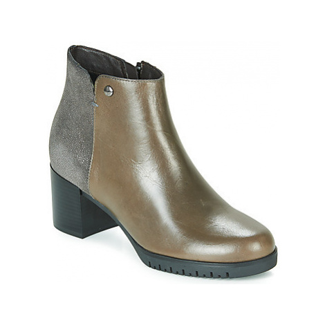 Hush puppies GLOANE women's Low Ankle Boots in Beige