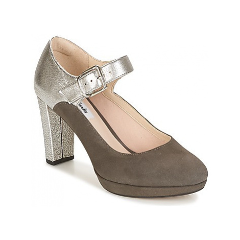 Clarks Kendra Gaby women's Court Shoes in Grey