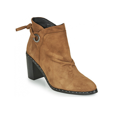 Philippe Morvan BATTLES V3 CHEV VEL women's Low Ankle Boots in Brown