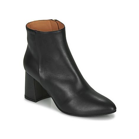Emma Go SHEFFIELD women's Low Ankle Boots in Black