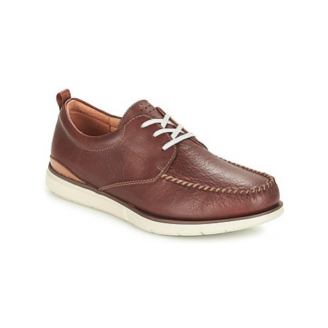 Clarks Edgewood Mix men's Casual Shoes in Brown