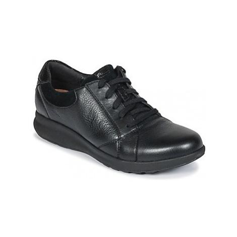 Clarks Un Adorn Lace women's Casual Shoes in Black
