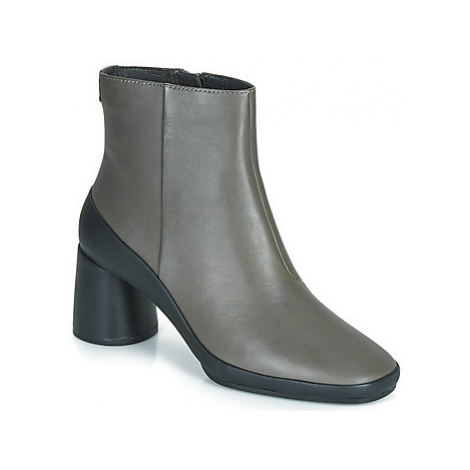 Camper UP RIGHT women's Low Ankle Boots in Grey