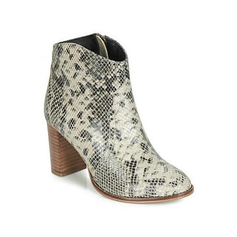 Ravel FOXTON women's Low Ankle Boots in Beige