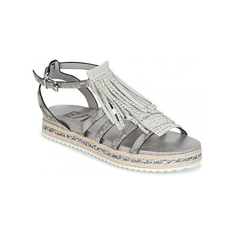Elue par nous CHOSH women's Sandals in Grey