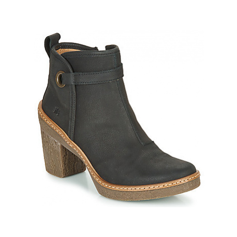 El Naturalista HAYA women's Low Ankle Boots in Black