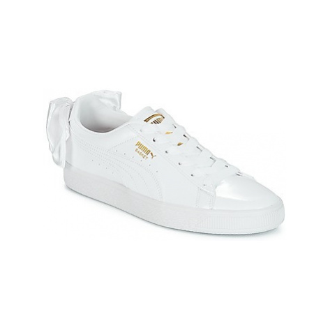 Puma WN SUEDE BOW PATENT.WHITE women's Shoes (Trainers) in White