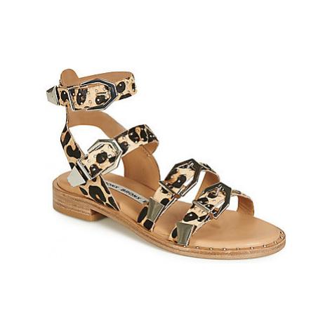 Bronx THRILL women's Sandals in Brown