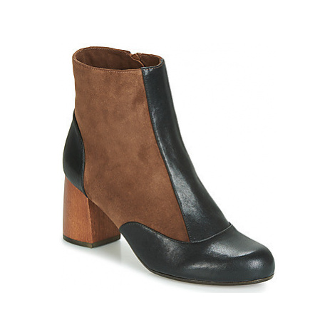 Chie Mihara MICHELE women's Low Ankle Boots in Black