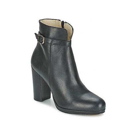 Betty London GRAZI women's Low Ankle Boots in Black