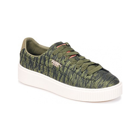 Puma Basket Platform Bi Color women's Shoes (Trainers) in Green