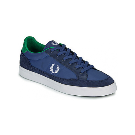 Fred Perry DEUCE POLY men's Shoes (Trainers) in Blue