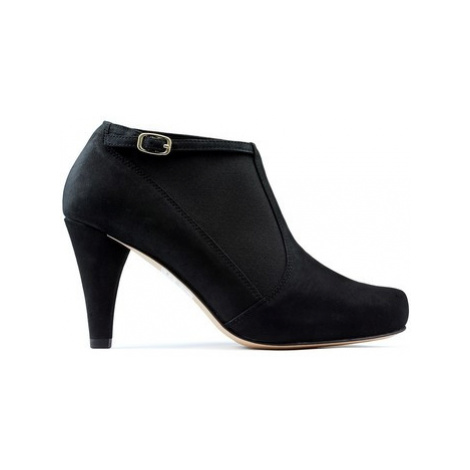 Clarks Booties DALIA PEARL women's Low Boots in Black