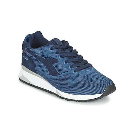 Diadora V7000 WEAVE women's Shoes (Trainers) in Blue