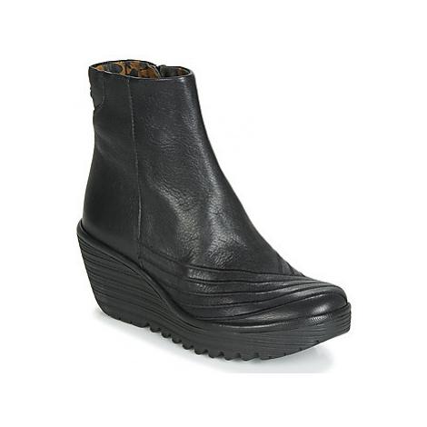 Fly London YEMI women's Low Ankle Boots in Black