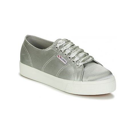 Superga 2730 SATIN W women's Shoes (Trainers) in Grey
