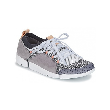 Clarks TRI AMELIA women's Shoes (Trainers) in Grey