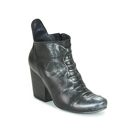 Papucei LYLIENE BLACK women's Low Ankle Boots in Black