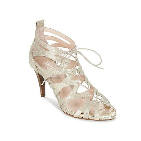 Betty London INALA women's Sandals in Gold
