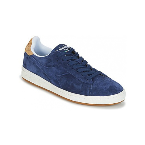 Diadora GAME LOW SUEDE men's Shoes (Trainers) in Blue