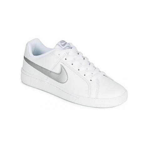 Nike WOCOURT ROYALE W women's Shoes (Trainers) in White