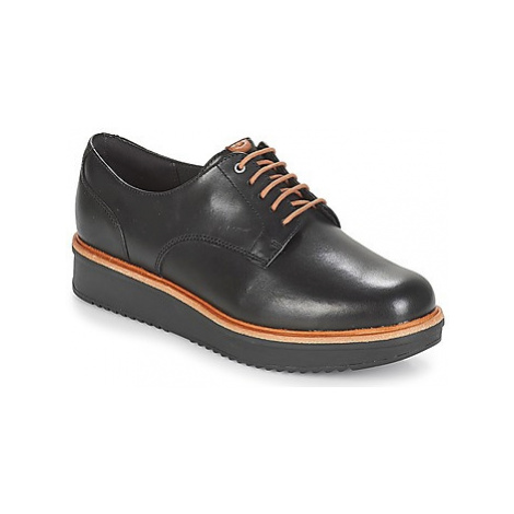 Clarks TEADALE women's Casual Shoes in Black