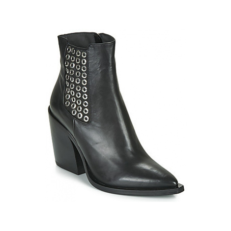 Fru.it NERO women's Low Ankle Boots in Black