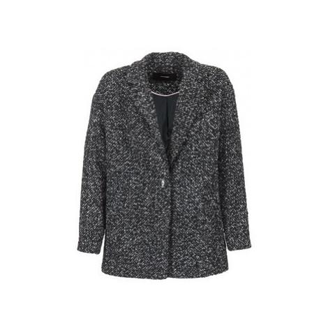 Vero Moda SALT women's Coat in Black