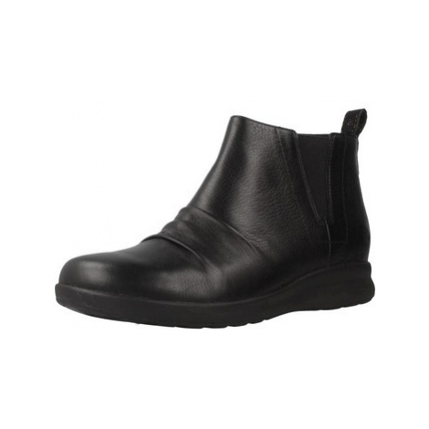Clarks 26136847 women's Low Ankle Boots in Black