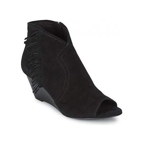 Ash DRUM women's Low Boots in Black