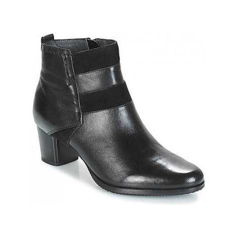 Hush puppies JANIS women's Low Ankle Boots in Black
