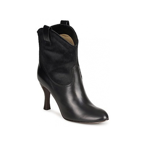 Marc Jacobs MJ19064 women's Low Ankle Boots in Black