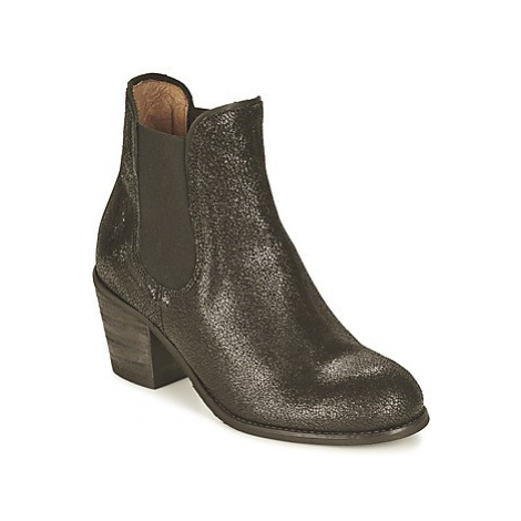 Coqueterra MAGGIE women's Low Ankle Boots in Black