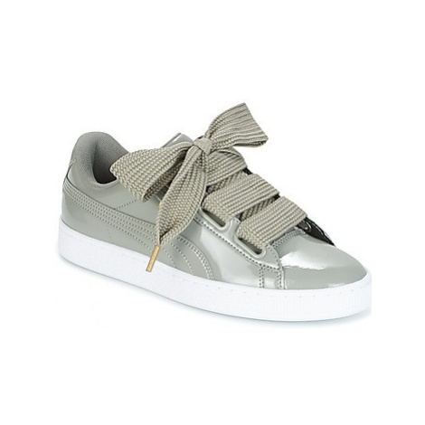 Puma BASKET HEART PATENT W'S women's Shoes (Trainers) in Grey