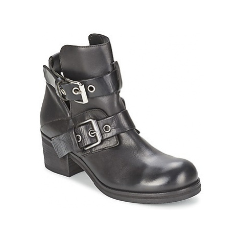 Strategia CRECA women's Low Ankle Boots in Black