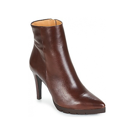 Fericelli JORGIA women's Low Ankle Boots in Brown