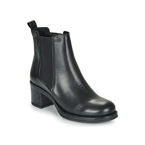 Betty London LOUE women's Low Ankle Boots in Black