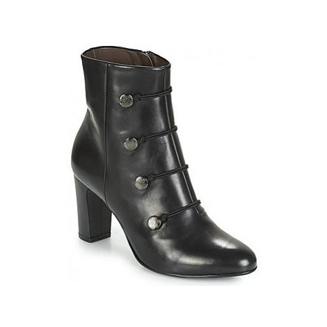 Perlato HOUZA women's Low Ankle Boots in Black