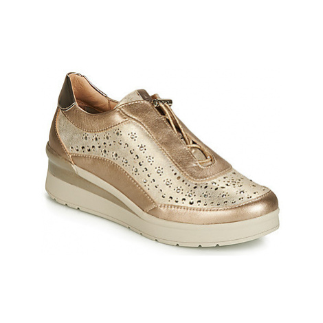 Stonefly CREAM 15 LAMINATED LTH women's Shoes (Trainers) in Gold