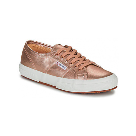 Superga 2750 COTMETU women's Shoes (Trainers) in Pink