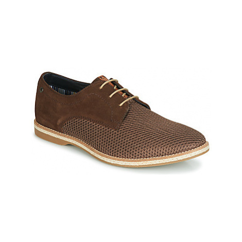 Base London KINCH men's Casual Shoes in Brown