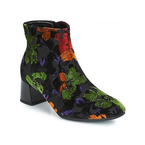 Gabor FLOWINGO women's Low Ankle Boots in Black