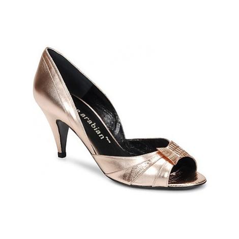 Karine Arabian MONTEREY women's Court Shoes in Gold