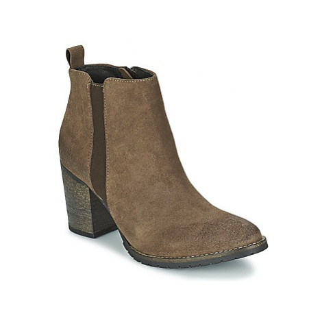 Betty London INDOR women's Low Ankle Boots in Brown