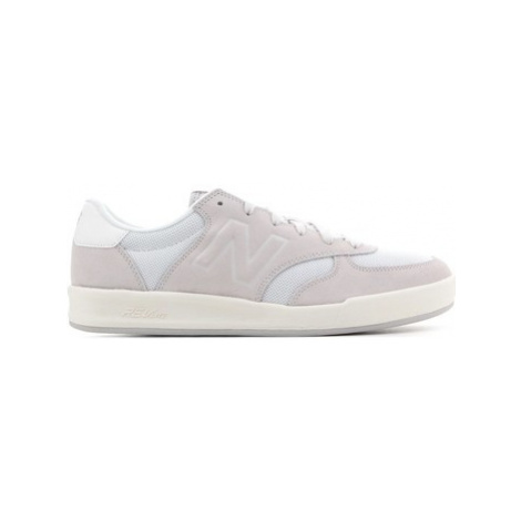 New Balance CRT300EE women's Shoes (Trainers) in Brown